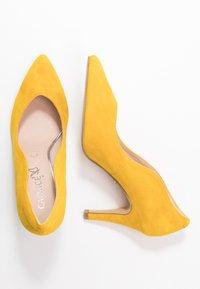 Caprice - Høye hæler - yellow - 3