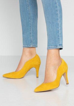 High Heel Pumps - yellow