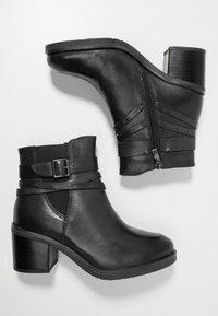 Caprice - Cowboystøvletter - black - 3