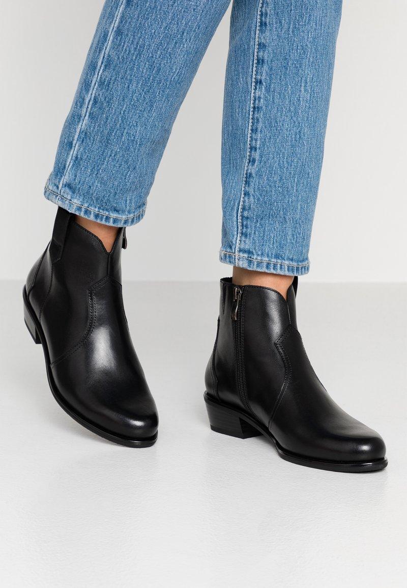 Caprice - Cowboy/biker ankle boot - black