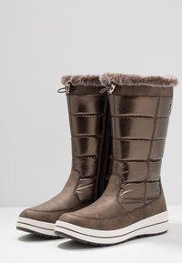 Caprice - Zimní obuv - bronce - 4