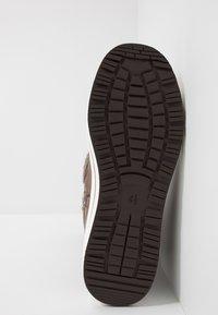 Caprice - Zimní obuv - bronce - 6