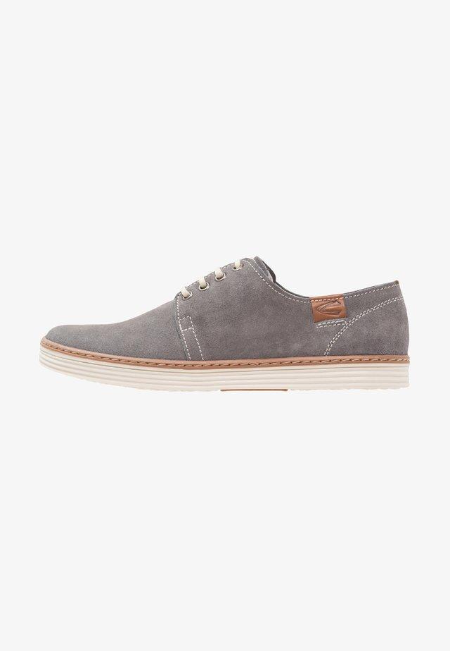 COPA - Volnočasové šněrovací boty - ash