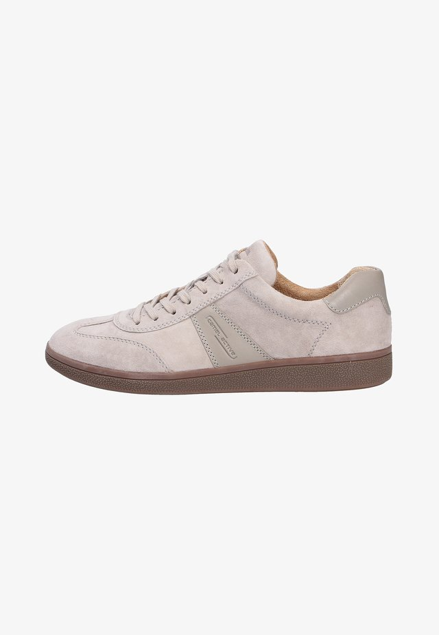 Sneakers laag - cement