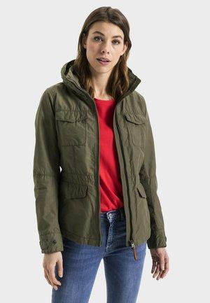 MIT TAILLENGÜRTEL - Summer jacket - khaki