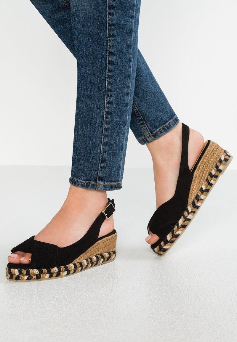 Castañer - BRIANDA - Platform sandals - black