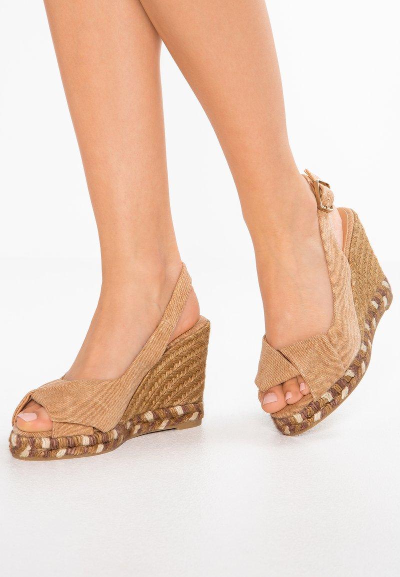 Castañer - BRIANDA - Højhælede sandaletter / Højhælede sandaler - tostado
