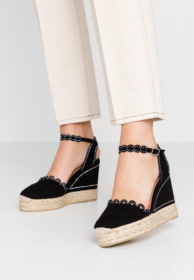 CATERINA - Korolliset sandaalit - black
