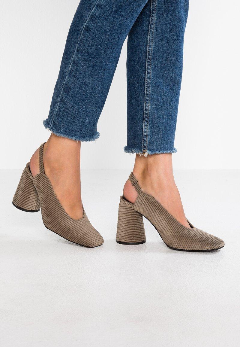 Castañer - KARME - High heels - vison