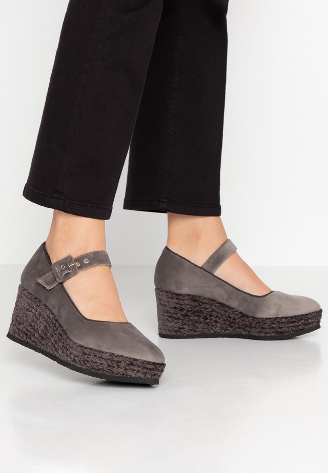 NAHIA - Platform heels - gris claro