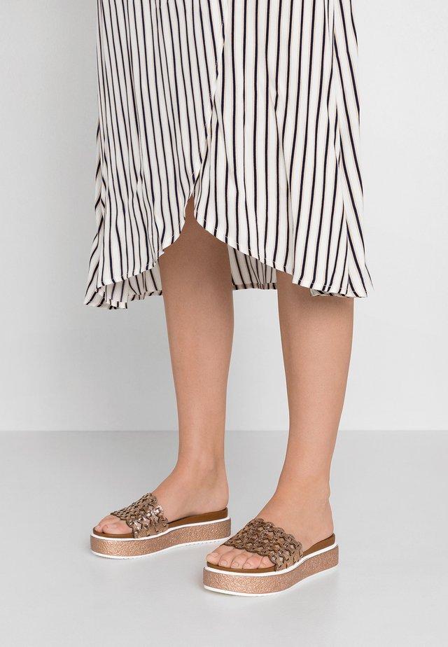 Pantolette flach - cypria