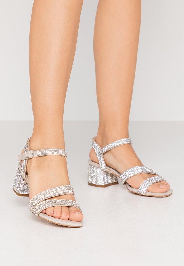 Sandali - ghiaccio