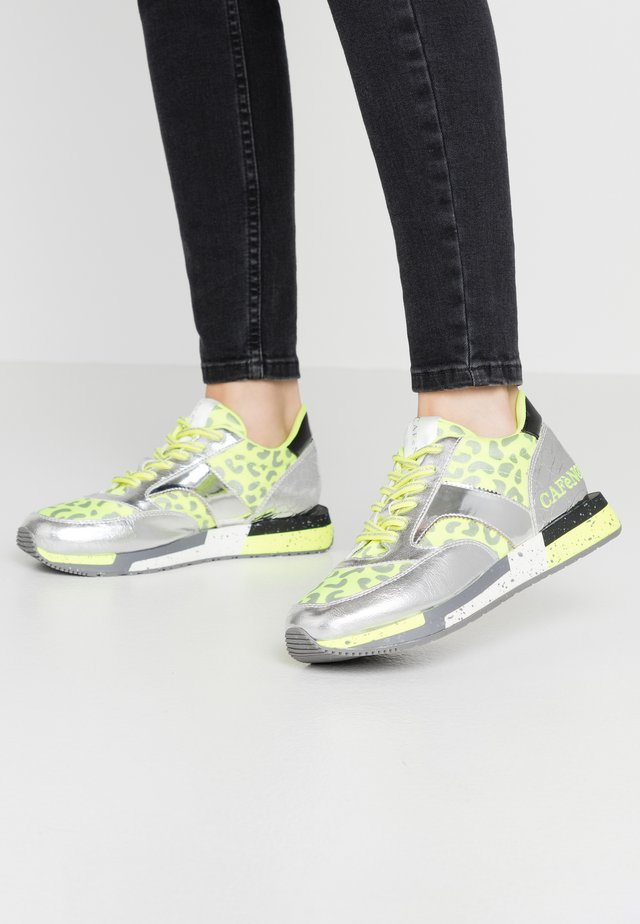 Sneakers - yellow/silver