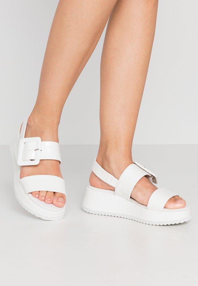 Sandalen met plateauzool - bianco