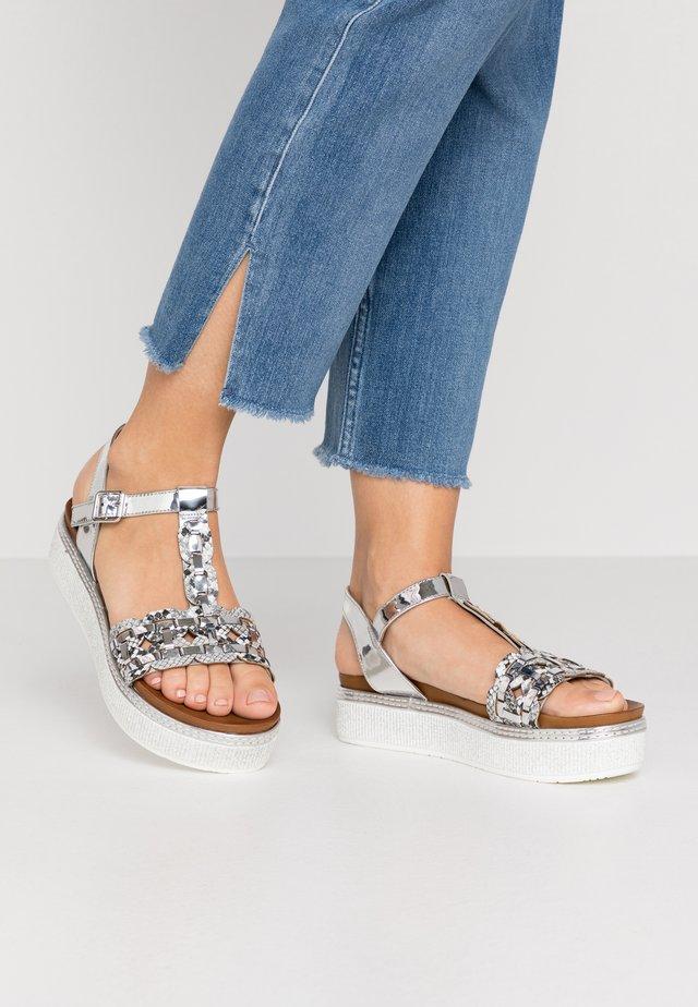 Sandalen met plateauzool - roccia