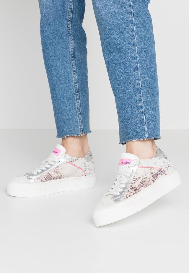 Sneakers laag - roccia