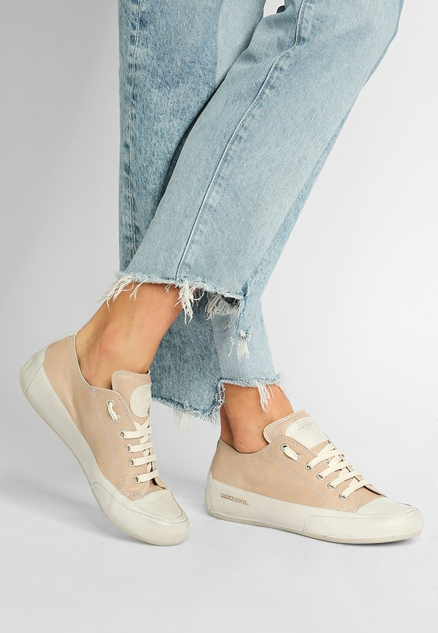 ROCK  - Sneakers - tamponato sand/base panna