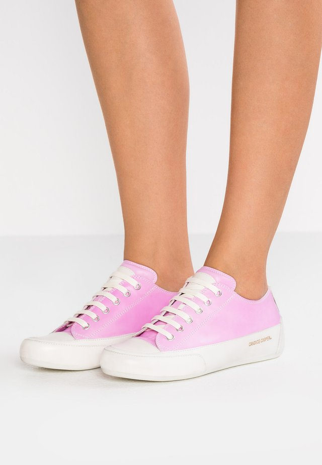 ROCK - Sneaker low - tamp orchid/ base panna