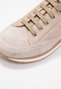 Candice Cooper - ROCK SPORT - Sneakers - sabbia/pioppino - 2