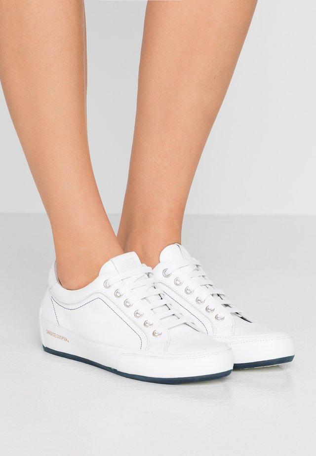 ROCK DELUXE - Sneakers laag - bianco