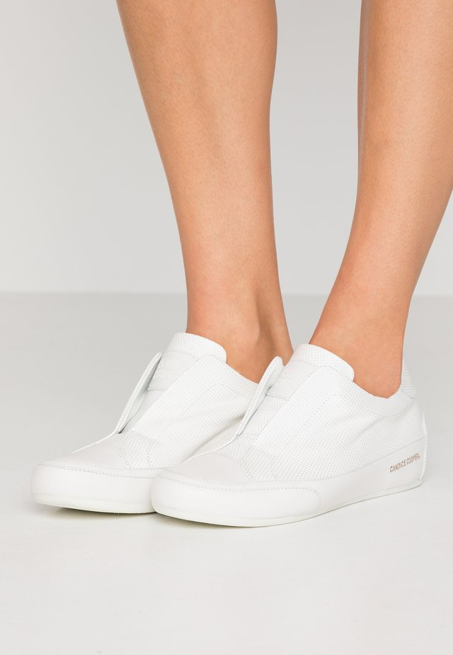 PALOMA - Slipper - bianco