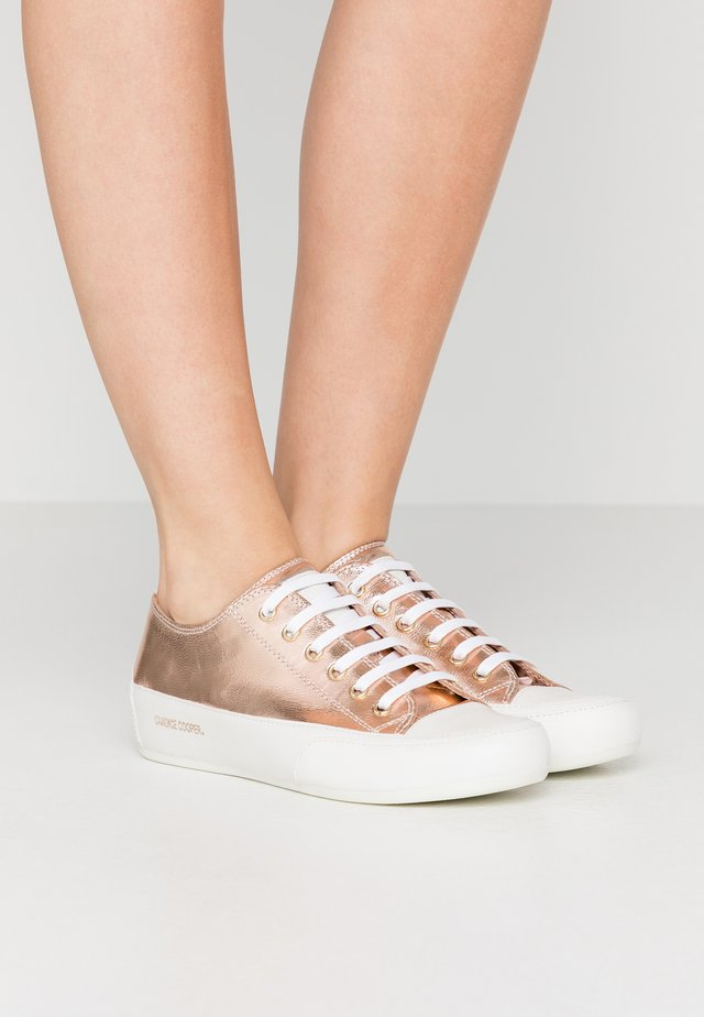 ROCK  - Sneaker low - bianco