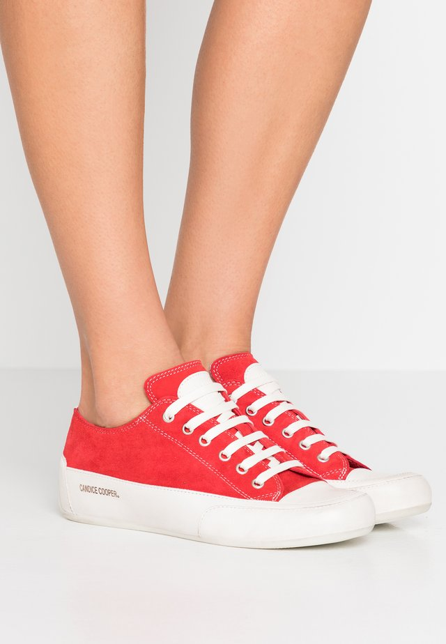 ROCK  - Sneakers laag - rosso/panna