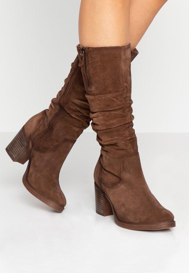 Høje støvler/ Støvler - camel