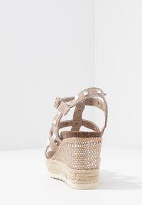 Carmela - Wedge sandals - taupe - 5