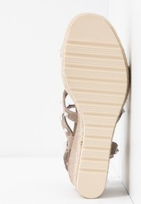 Carmela - Wedge sandals - taupe - 6