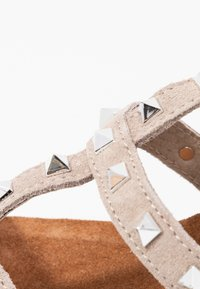 Carmela - Wedge sandals - taupe - 2