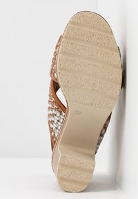 Carmela - Korolliset sandaalit - camel - 6