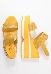Carmela - Korolliset sandaalit - yellow - 3