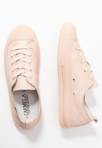 Carmela - Sneakersy niskie - nude - 4
