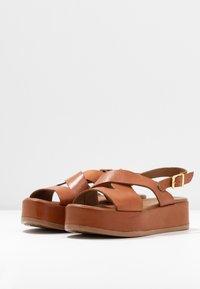 Carmela - Korkeakorkoiset sandaalit - camel - 4