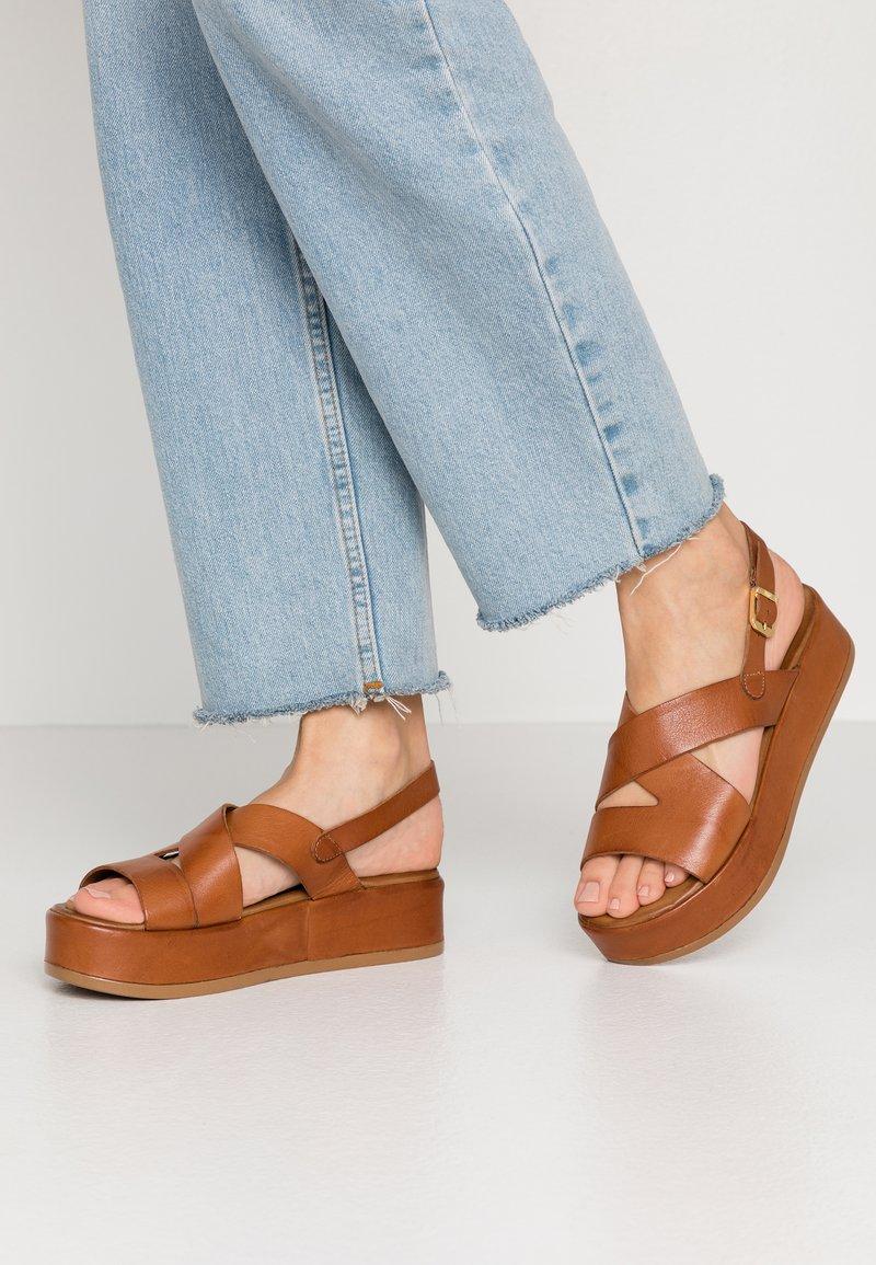 Carmela - Korkeakorkoiset sandaalit - camel