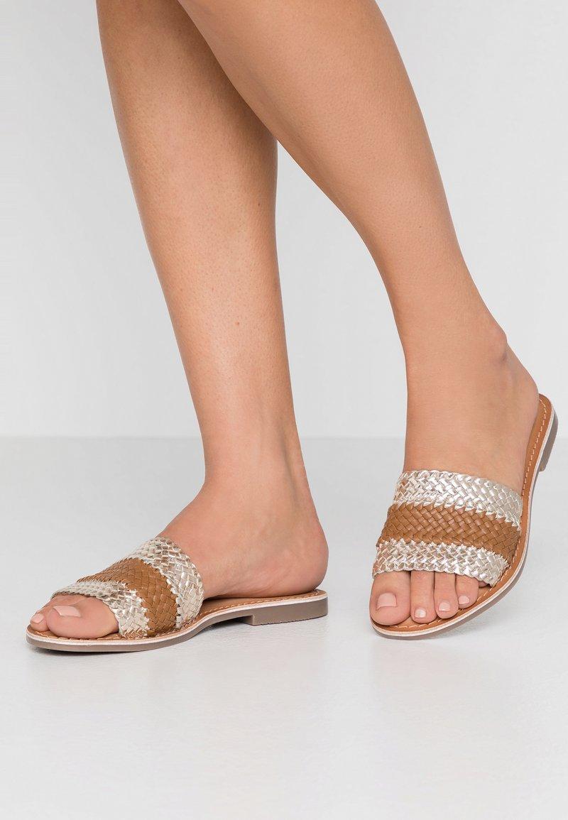 Carmela - Pantofle - gold