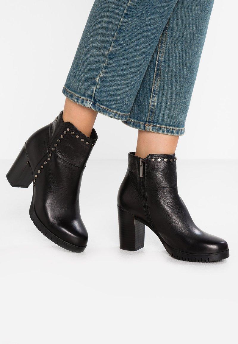 Carmela - Ankle Boot - black
