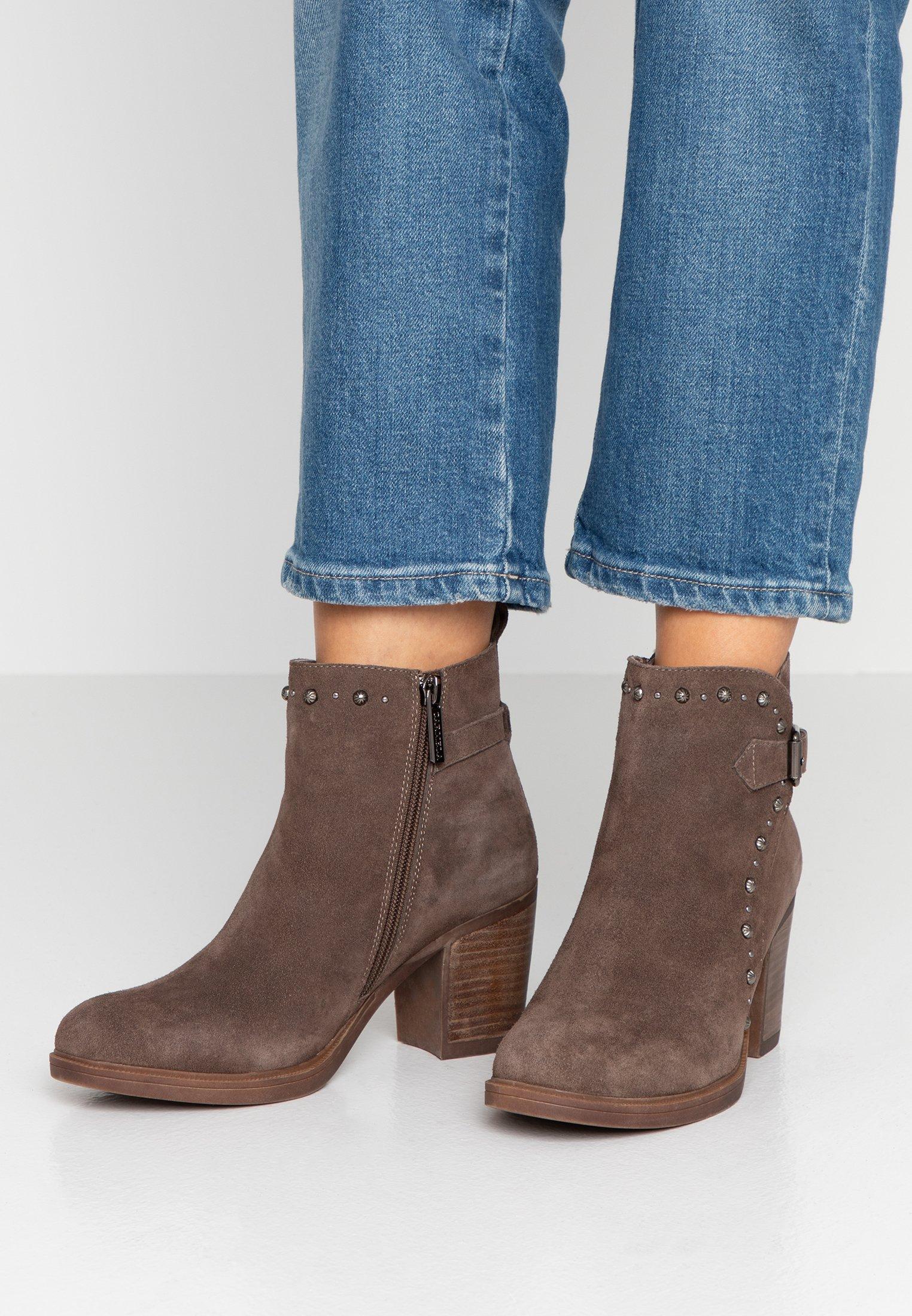 Carmela Boots à talons taupe