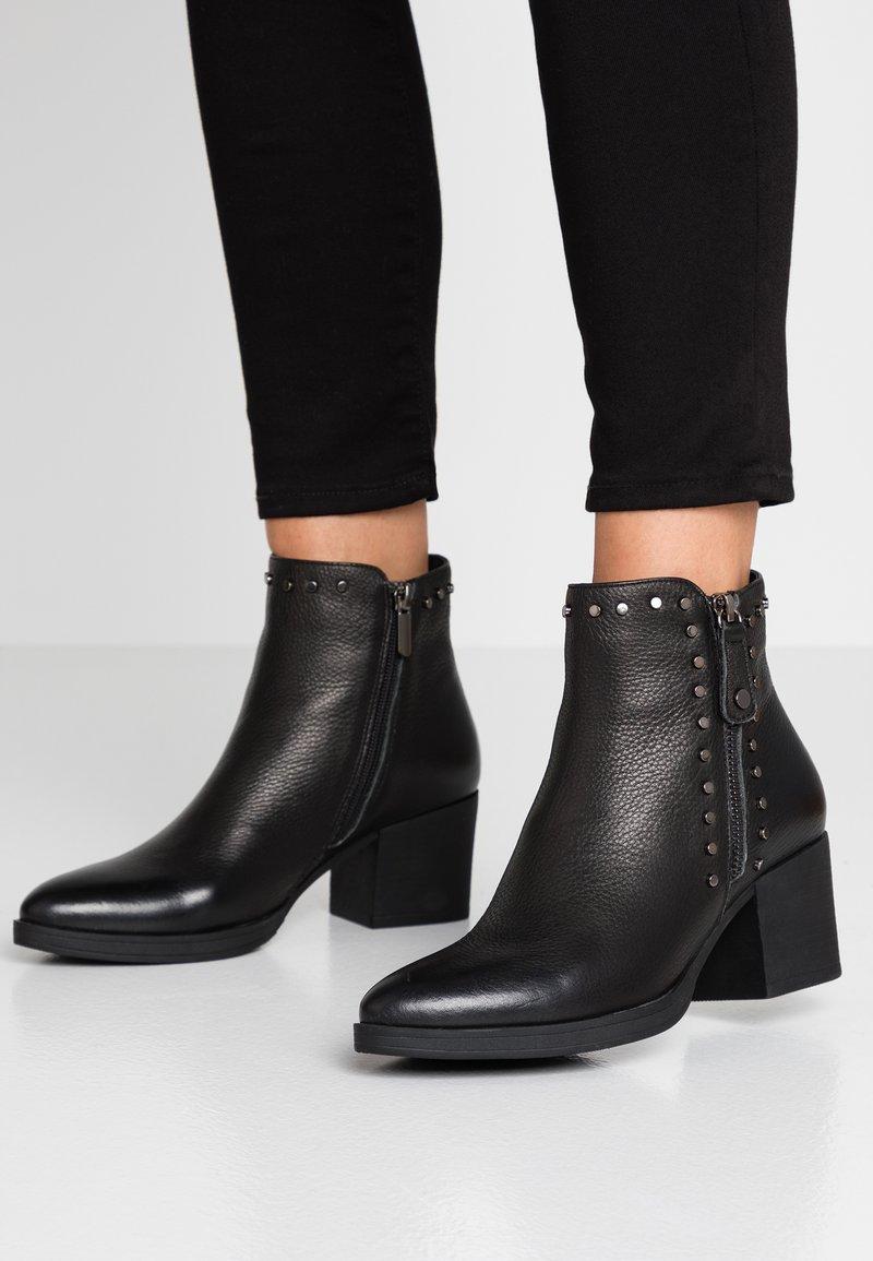 Carmela - Boots à talons - black