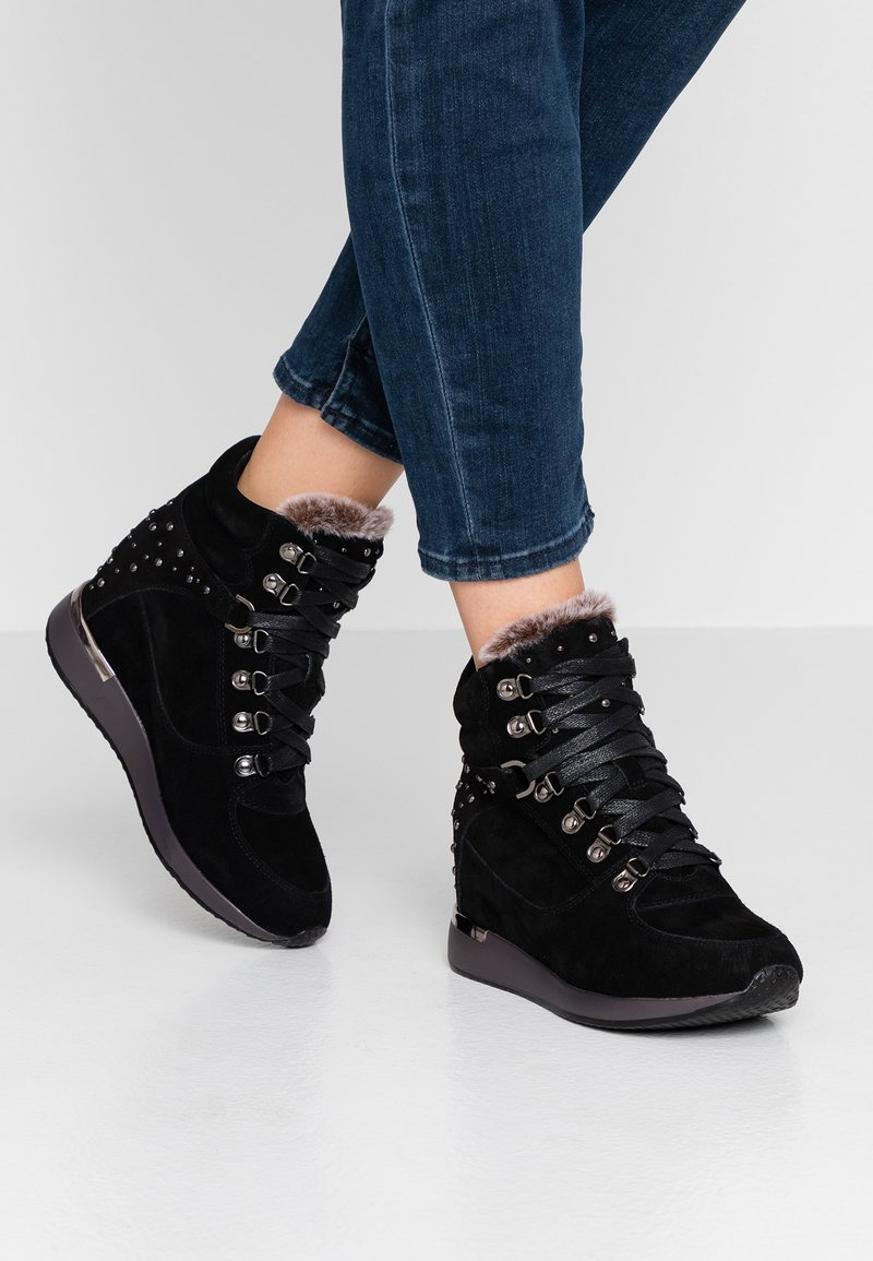 Carmela - High-top trainers - black