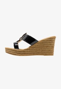 Carvela Comfort - STEVIE - Pantofle na podpatku - black - 1