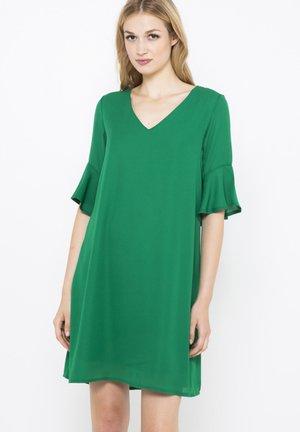 ROBE COURTE VOLANTÉE - Robe d'été - vert clair