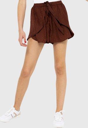 Short - brown