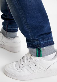 Carlo Colucci - Straight leg jeans - dark blue denim - 3