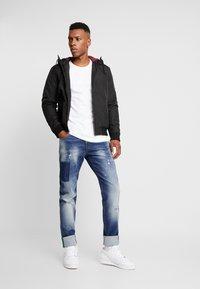 Carlo Colucci - Straight leg jeans - dark blue denim - 1