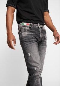 Carlo Colucci - Straight leg jeans - black - 4