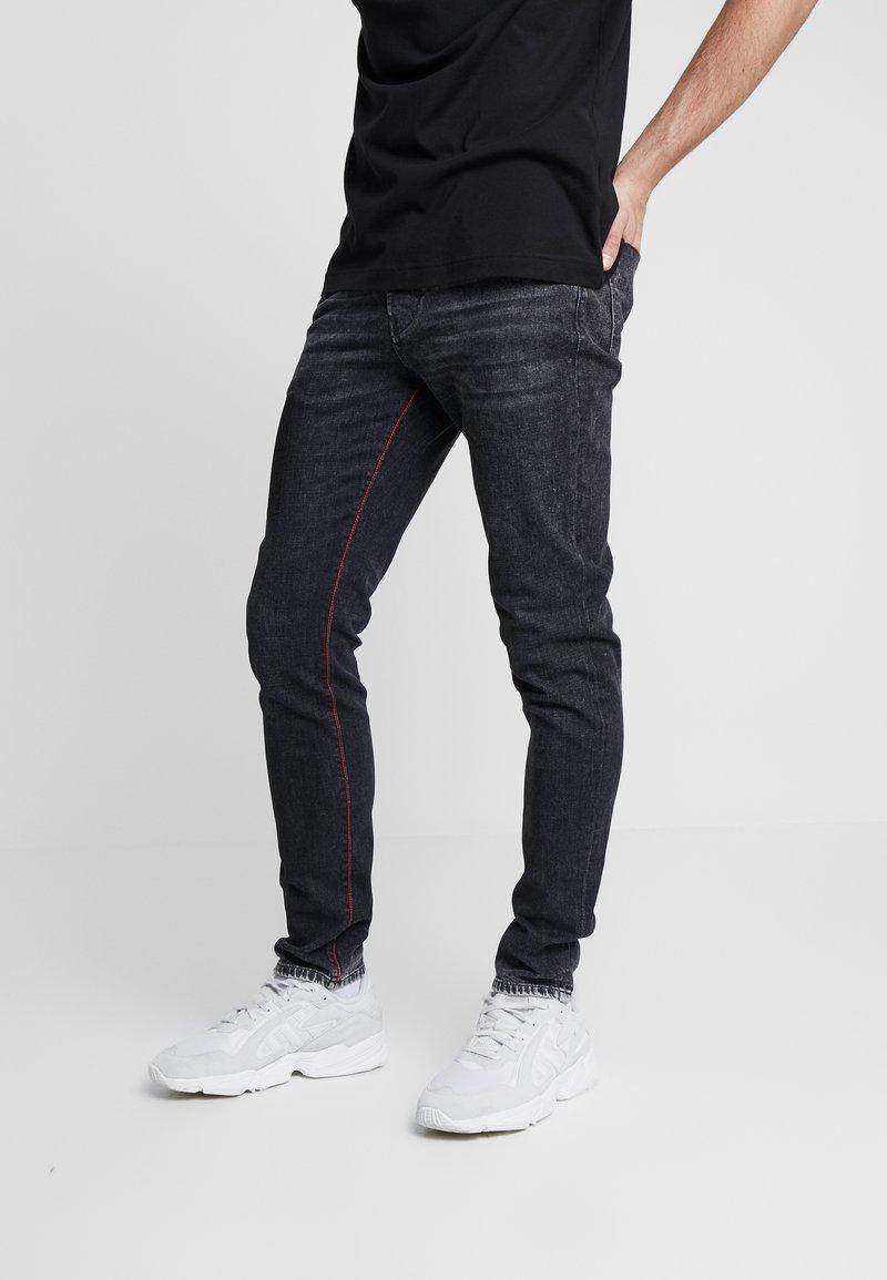 Carlo Colucci - Jeans Tapered Fit - black denim