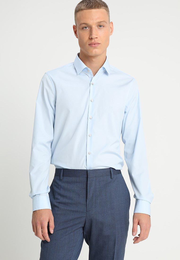 Calvin Klein Tailored - POPLIN EASY IRON - Zakelijk overhemd - blue