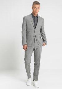 Calvin Klein Tailored - EXTRA SLIM - Koszula biznesowa - grey - 1